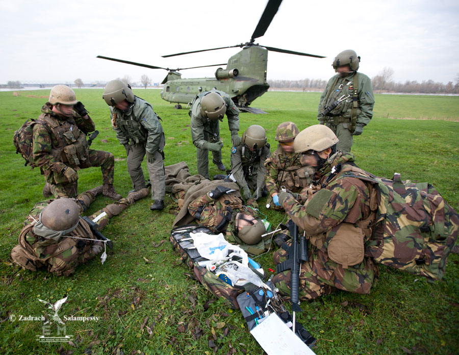 how to become a special forces medic