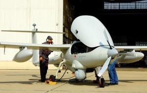 De onbemande Patroller op het platform van de Franse luchtmachtbasis Istres � Pieter Bastiaans en Safran