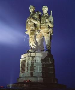 commando-memorial